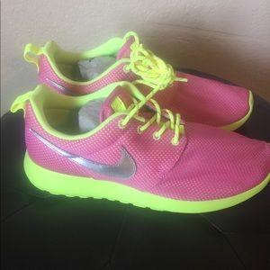Nike Roshrun
